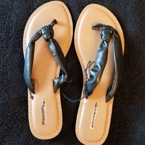 Express Black Tan Slip On Sandals New
